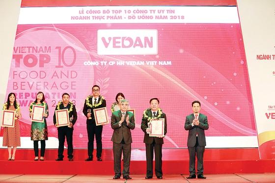 Vedan Việt Nam được vinh danh trong tốp 10 công ty uy tín ngành thực phẩm - đồ uống năm 2018 ảnh 1