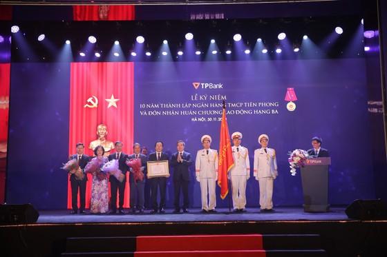 TPBank tổ chức kỷ niệm 10 năm thành lập và đón nhận Huân chương lao động Hạng Ba ảnh 2