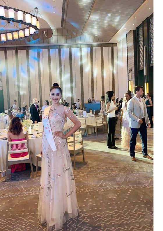 Lọt top 5 dự án Nhân ái, hoa hậu Tiểu Vy rộng đường vào top 30 Miss World ảnh 3