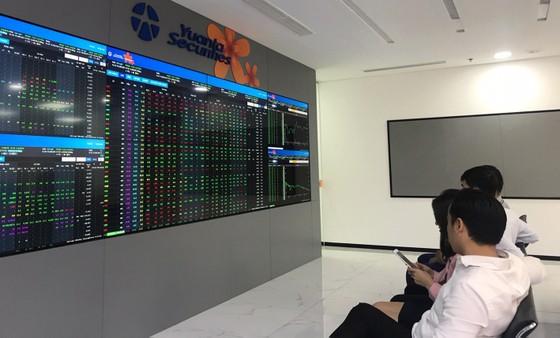 Kỳ vọng thị trường chứng khoán khởi sắc cuối năm ảnh 1