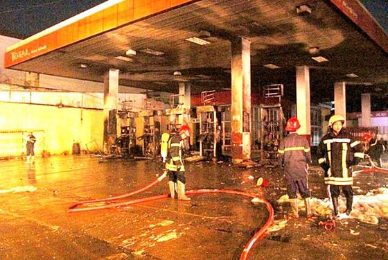 Lo cháy nổ cửa hàng kinh doanh xăng, dầu, gas ảnh 1