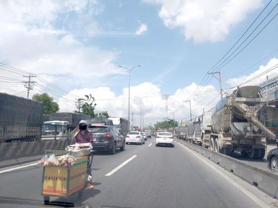 Lập lại trật tự, an toàn giao thông ảnh 1