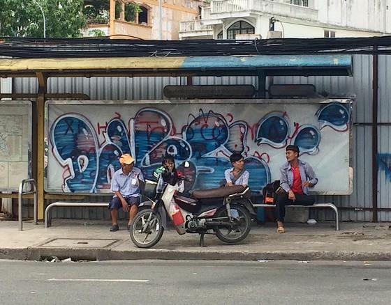 Nhếch nhác trạm dừng, nhà chờ xe buýt ảnh 1