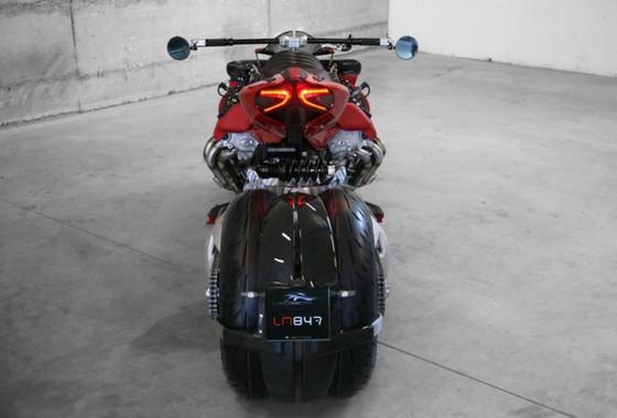 Sieu moto Phap mang dong co V8, 470 ma luc cua Maserati hinh anh 3