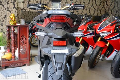 Xe tay ga Honda X-ADV về Việt Nam, giá 590 triệu đồng - ảnh 11