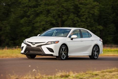 Toyota Camry 2018 có giá từ 23.45 USD tại Mỹ - ảnh 3
