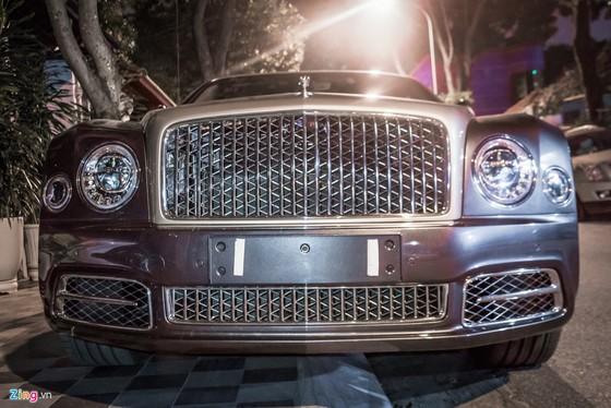 Sedan sieu sang Bentley Mulsanne EWB 2017 dau tien tai HN hinh anh 4
