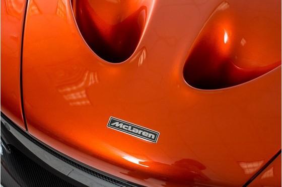 Siêu xe McLaren P1 lăn bánh ít nhất thế giới có giá 2,4 triệu USD - Ảnh 9.