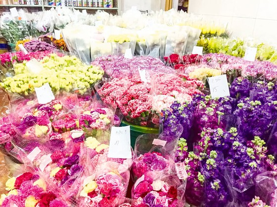 Chợ hoa Hồ Thị Kỷ sôi động mùa Tết ảnh 2