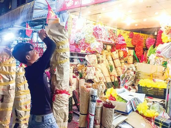 Chợ hoa Hồ Thị Kỷ sôi động mùa Tết ảnh 5