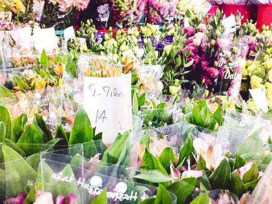 Chợ hoa Hồ Thị Kỷ sôi động mùa Tết ảnh 4