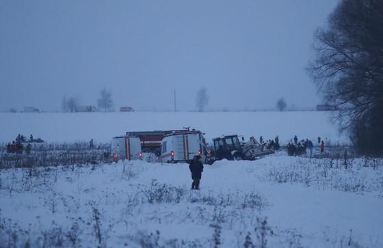 Máy bay Nga rơi gần Matxcơva, 71 người tử nạn - Ảnh 2.