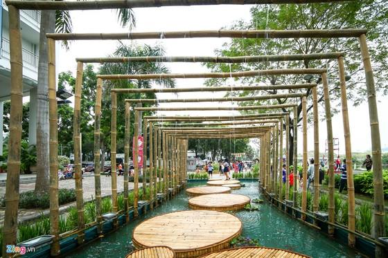 Hoi hoa xuan khu nha giau Phu My Hung hinh anh 7