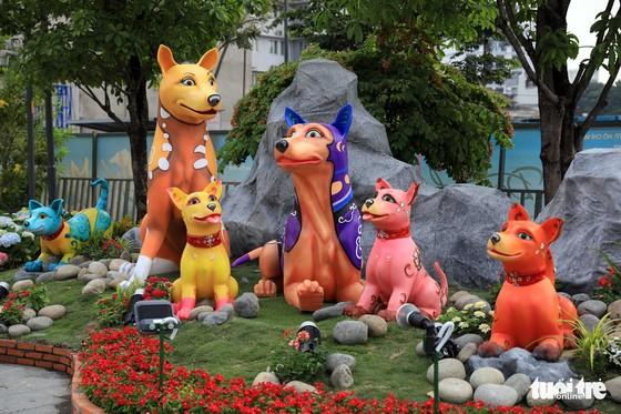 Chó Phú Quốc nổi bật ở đường hoa Nguyễn Huệ - Ảnh 19.