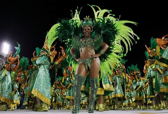 Choáng ngợp với Carnaval Rio đầy màu sắc và quyến rũ - Ảnh 8.