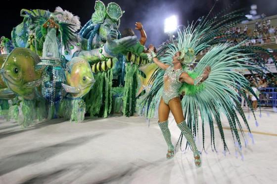 Choáng ngợp với Carnaval Rio đầy màu sắc và quyến rũ - Ảnh 2.