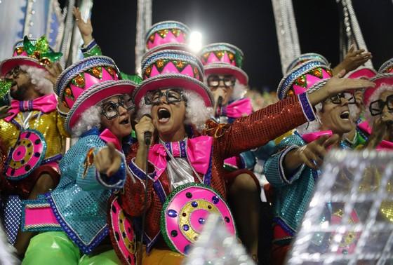 Choáng ngợp với Carnaval Rio đầy màu sắc và quyến rũ - Ảnh 15.