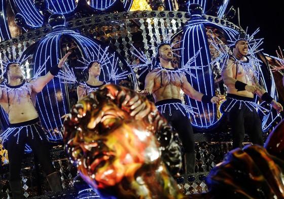 Choáng ngợp với Carnaval Rio đầy màu sắc và quyến rũ - Ảnh 14.