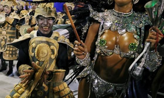 Choáng ngợp với Carnaval Rio đầy màu sắc và quyến rũ - Ảnh 11.