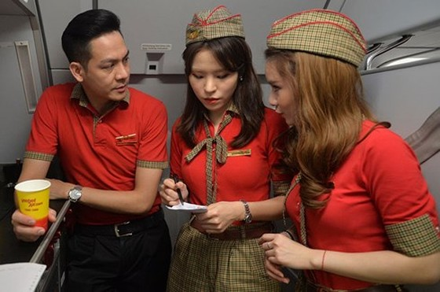 pho tong giam doc vietjet trai long sau chuyen bay don u23 viet nam hinh 1