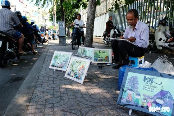 Màu tết rực rỡ tràn ngập phố Sài Gòn - Ảnh 10.