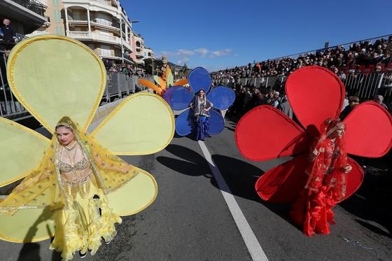 Rực rỡ lễ hội chanh độc đáo ở Pháp - Ảnh 8.