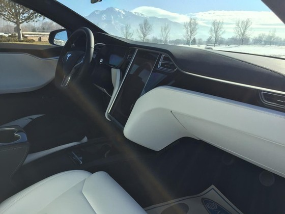 Tesla Model S trở thành xe chống đạn nhanh nhất thế giới - Ảnh 4.