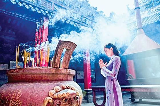 Vãn cảnh chùa Sài Gòn đầu xuân ảnh 1