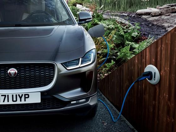 Jaguar I-Pace - doi thu moi cua Tesla Model X gia tu 88.000 USD hinh anh 8