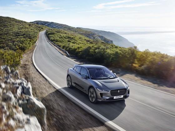 Jaguar I-Pace - doi thu moi cua Tesla Model X gia tu 88.000 USD hinh anh 2