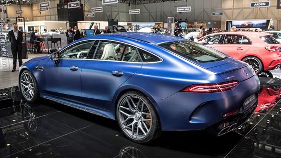 Mercedes-Benz AMG GT 4 cua - doi thu moi cua Porsche Panamera hinh anh 5