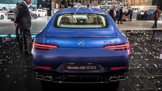 Mercedes-Benz AMG GT 4 cua - doi thu moi cua Porsche Panamera hinh anh 6