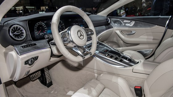 Mercedes-Benz AMG GT 4 cua - doi thu moi cua Porsche Panamera hinh anh 8
