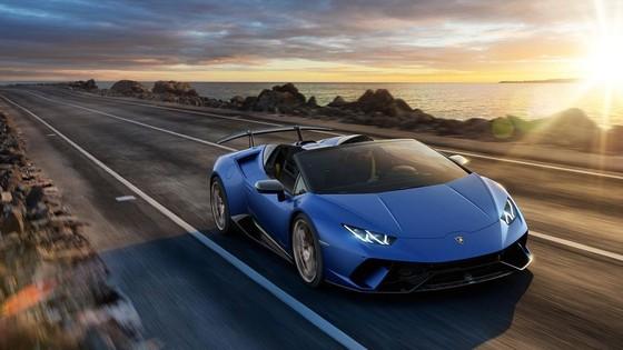 Lamborghini Huracan Performante Spyder gia hon 300.000 USD hinh anh 2