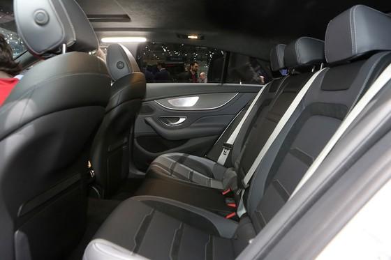 Mercedes-Benz AMG GT 4 cua - doi thu moi cua Porsche Panamera hinh anh 10