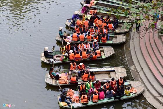 Can canh 2.000 bac khong phep xuyen loi di san Trang An hinh anh 7