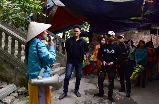 Can canh 2.000 bac khong phep xuyen loi di san Trang An hinh anh 9