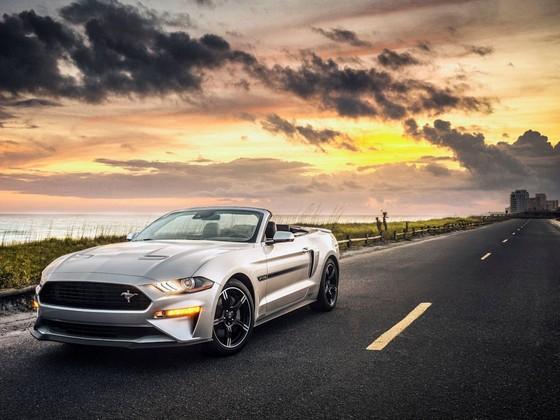 Ford Mustang nang cap phien ban California Special hinh anh 6