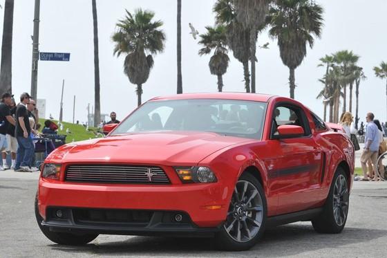 Ford Mustang nang cap phien ban California Special hinh anh 7