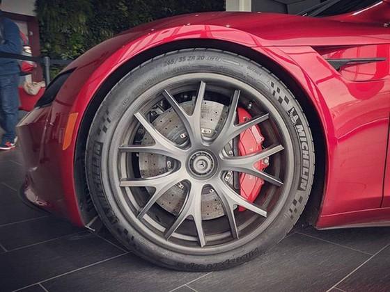 [Ảnh] Hé lộ loạt ảnh cực chất về siêu xe Tesla Roadster, dự kiến ra mắt vào năm 2020 tới - Ảnh 3.