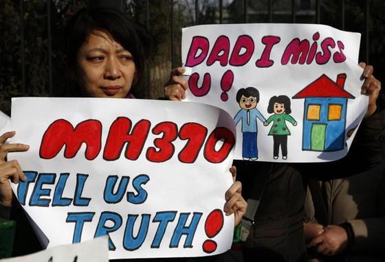 Kỹ sư Úc tuyên bố tìm thấy xác máy bay xấu số MH370 - Ảnh 1.