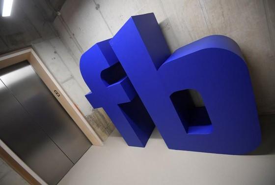Facebook trước bê bối sống còn vì rò rỉ dữ liệu 50 triệu người dùng - Ảnh 1.