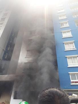 Cảnh báo các chung cư từ vụ cháy Carina Plaza ảnh 1