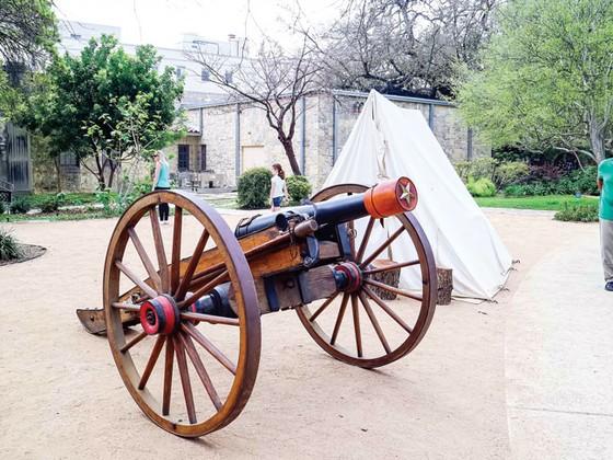 Thiên anh hùng Alamo ảnh 5