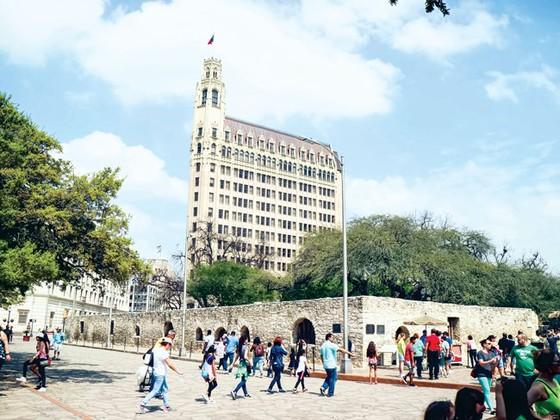 Thiên anh hùng Alamo ảnh 1