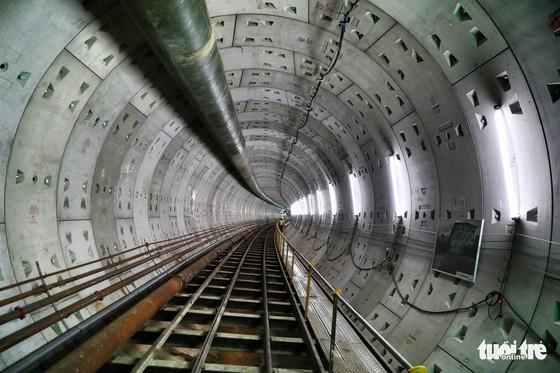 Ngắm đường hầm metro thứ 2 sắp hoàn thành dưới lòng đất - Ảnh 1.