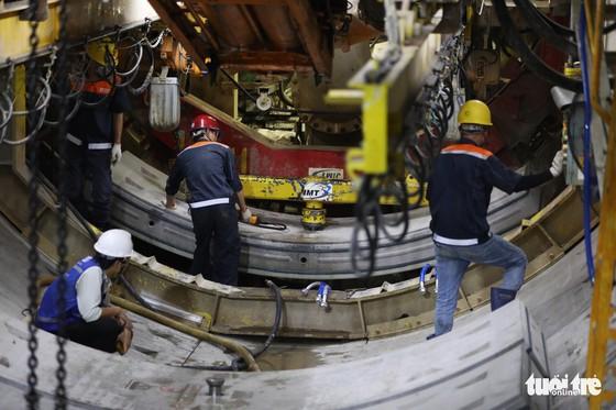 Ngắm đường hầm metro thứ 2 sắp hoàn thành dưới lòng đất - Ảnh 6.