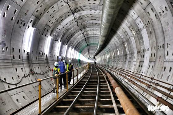 Ngắm đường hầm metro thứ 2 sắp hoàn thành dưới lòng đất - Ảnh 12.