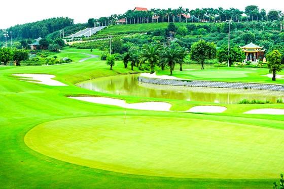 Ồ ạt bổ sung sân golf vào quy hoạch ảnh 1