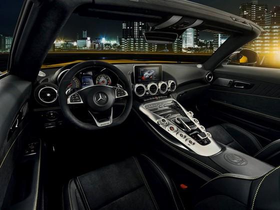 Chi tiet Mercedes-AMG mui tran vua ra mat hinh anh 7